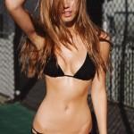 Alexis Ren51