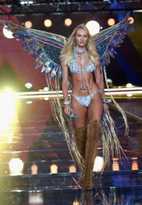 Cole Hamels suing for being shut out of Victoria's Secret Fashion Show