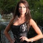 Holly Sonders34