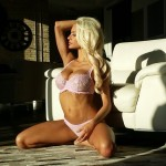 Lindsey Pelas46