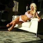 Lindsey Pelas73
