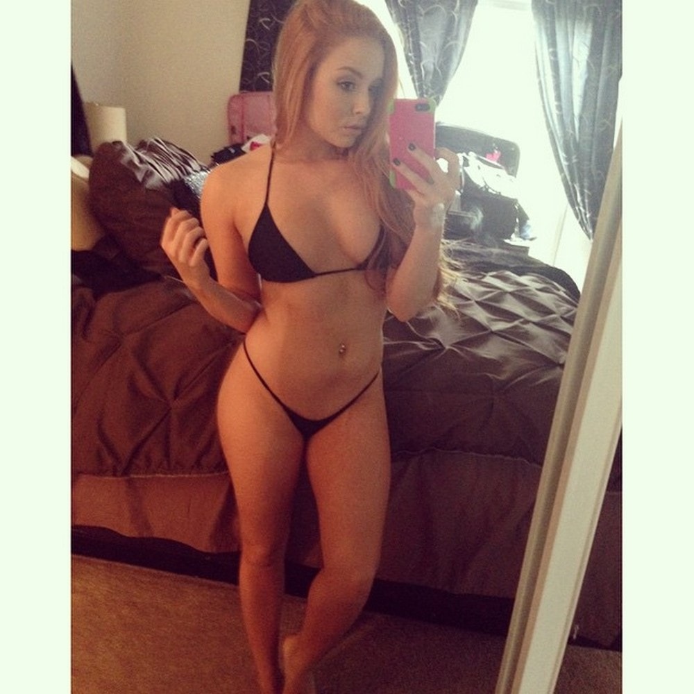 Bedroom-jessica-selfie
