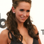 Jennifer Love Hewitt2