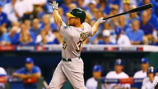 A's reacquire Brandon Moss in 4-player deal with Royals