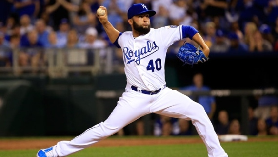 Nationals acquire closer Kelvin Herrera from Royals