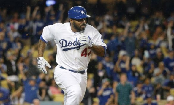 Dodgers trade Howie Kendrick to Phillies for Darnell Sweeney and Darin Ruf