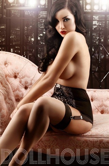 Gorgeous beauty stripping on cam by troc 1