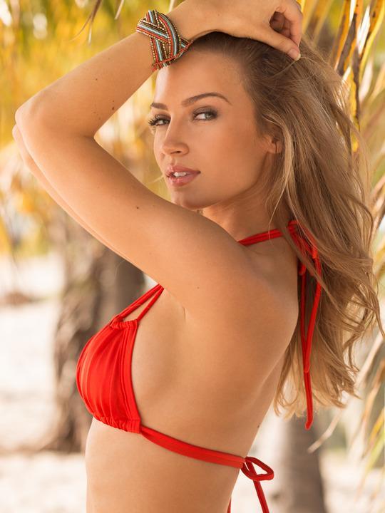 Next / Miami / Lilly Sanders