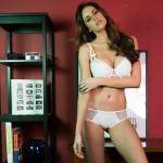 Lauren Vickers3