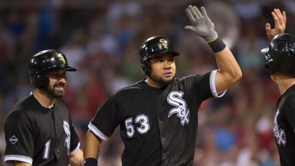 White Sox trade Melky Cabrera to Royals for two pitching prospects