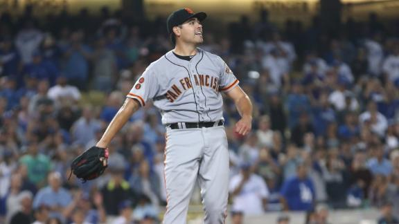 Rangers acquire Matt Moore from Giants for prospects