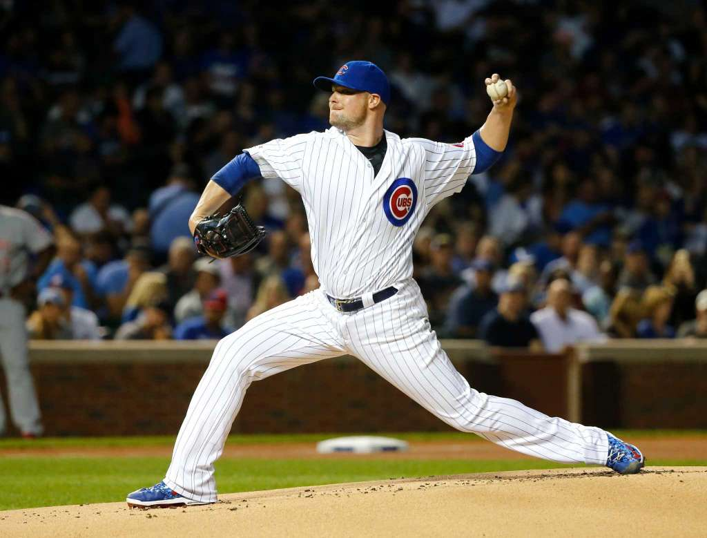 Lester wins 18th, Rizzo drives in 104th as Cubs top Reds 6-1