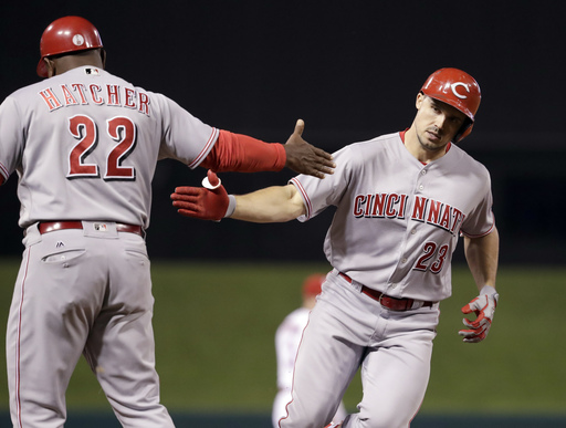 Votto, Duval combine for 3 homers; Reds rout Cardinals 15-2