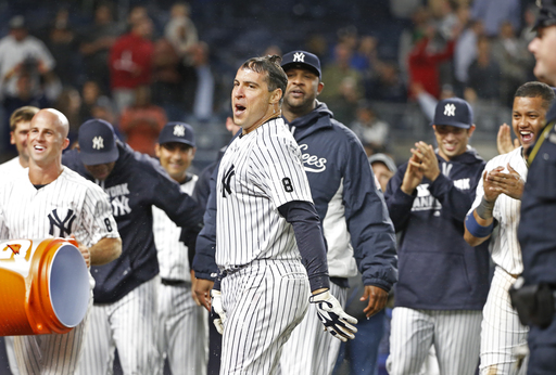 Teixeira hits game-winning slam, Yanks rally past Red Sox