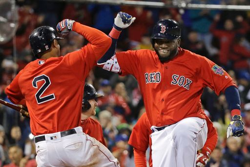 Ortiz delivers another HR, Red Sox beat Blue Jays 5-3