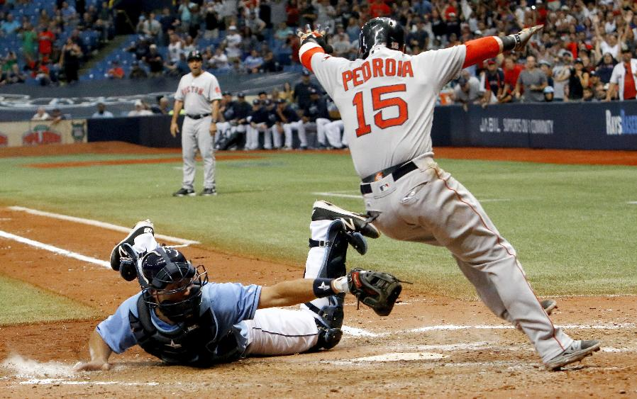 Pedroia's baserunning helps Red Sox beat Rays 3-2 in 10