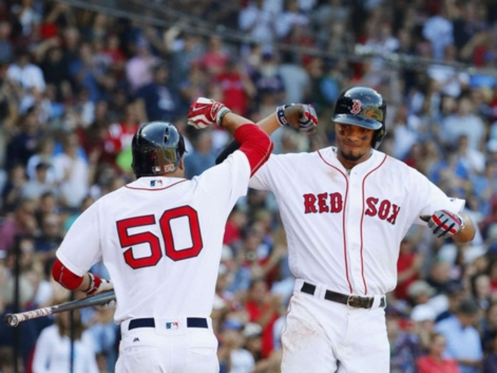Wild pitch helps Red Sox edge reeling Yankees