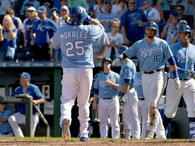 Morales drives in 4, leads Duffy, Royals over White Sox