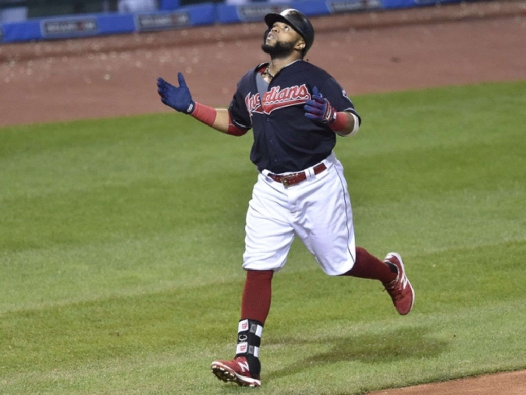 Santana's HR lifts Indians over KC, closer to Central title