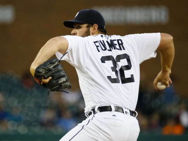 Fulmer sharp as playoff-chasing Tigers rout Royals 8-3