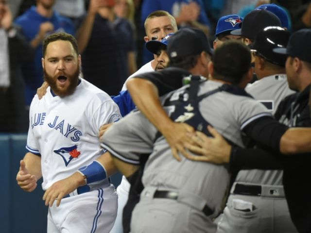 Yankees avoid sweep, beat Blue Jays 7-5 in testy game