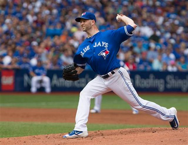 Happ gets 18th win as Blue Jays beat Red Sox 3-2