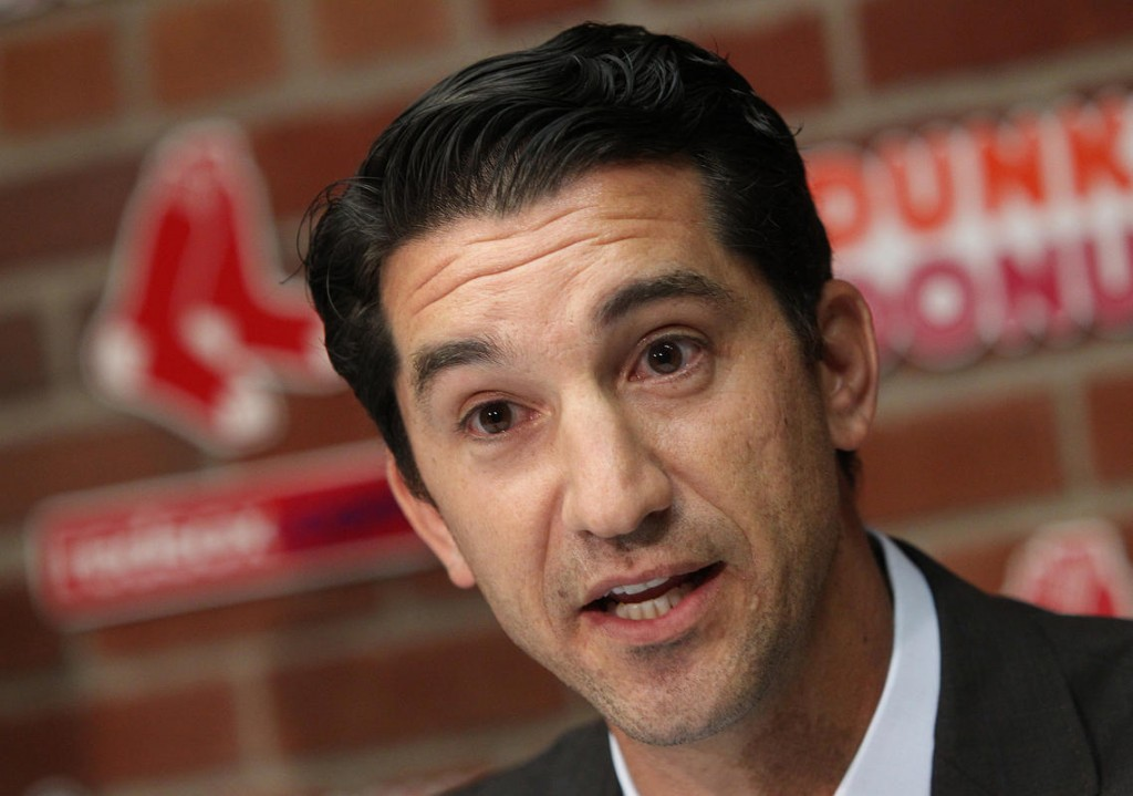 D-backs hire Mike Hazen from Red Sox as new GM
