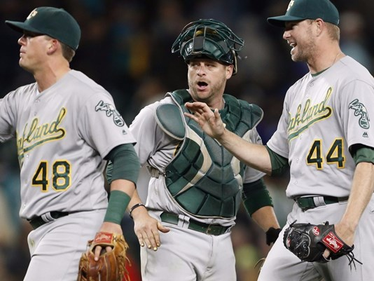 Seattle's playoff hopes dashed by 9-8 loss to Oakland