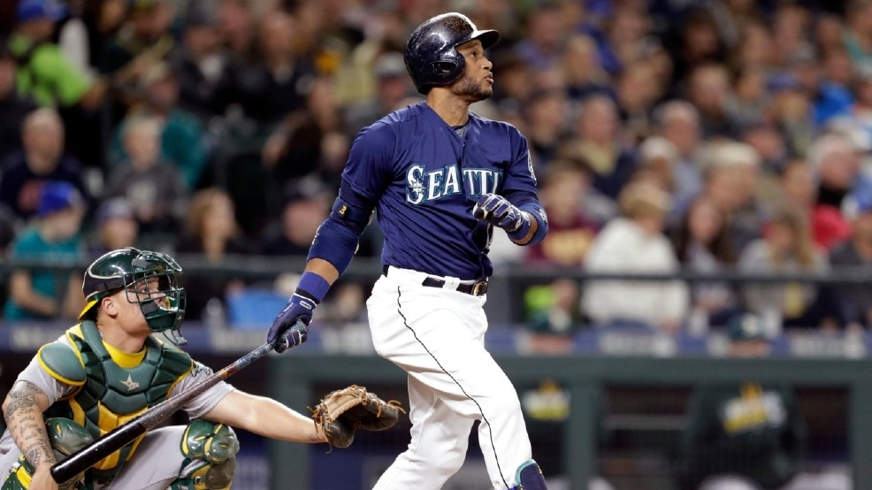 Cano hits 2 homers, Mariners tighten wild-card race, top A's