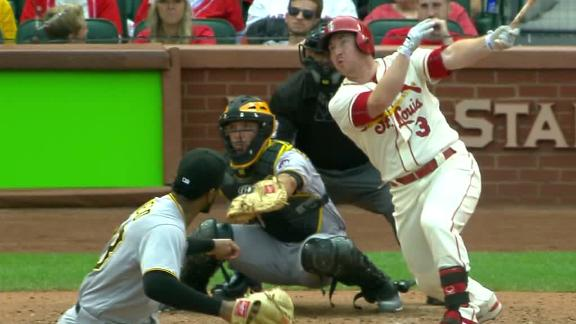 Cardinals push playoff chase to final day, hold off Pirates