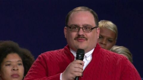 Red Sox P Joe Kelly offers playoff tickets to Ken Bone