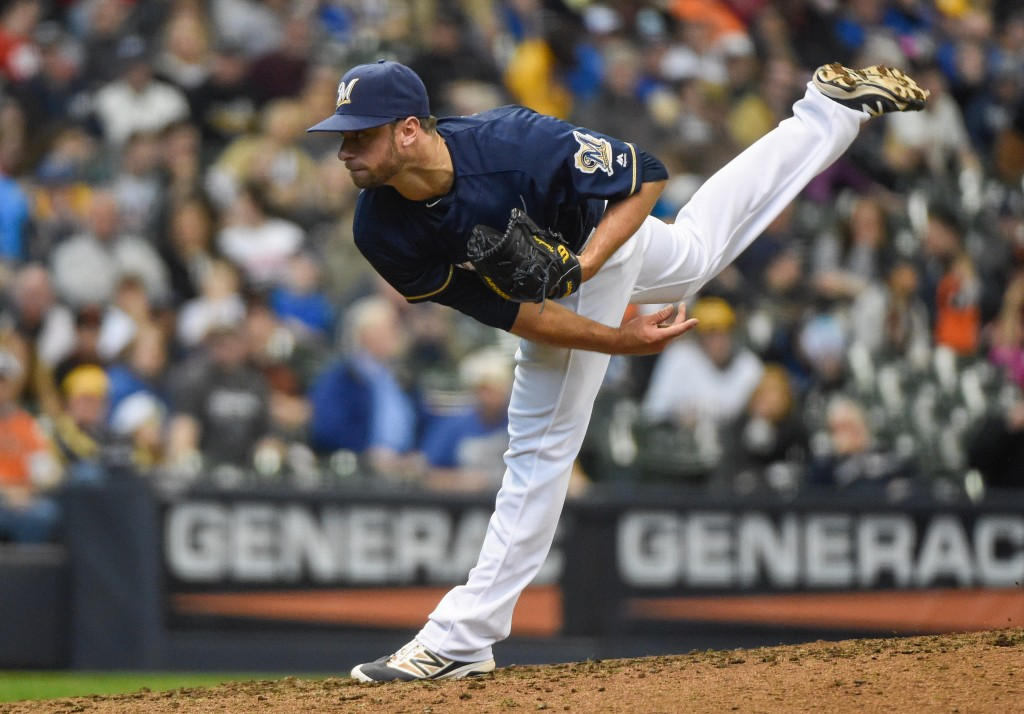 Brewers trade Tyler Thornburg to Red Sox for Shaw, two prospects