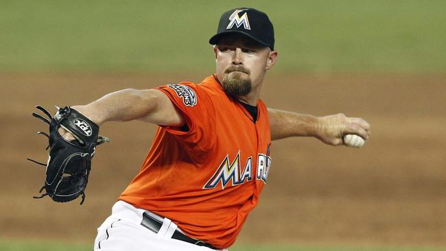 Rockies agree to a three-year, $19M deal with reliever Mike Dunn