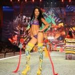 Adriana Lima 2016 VS show