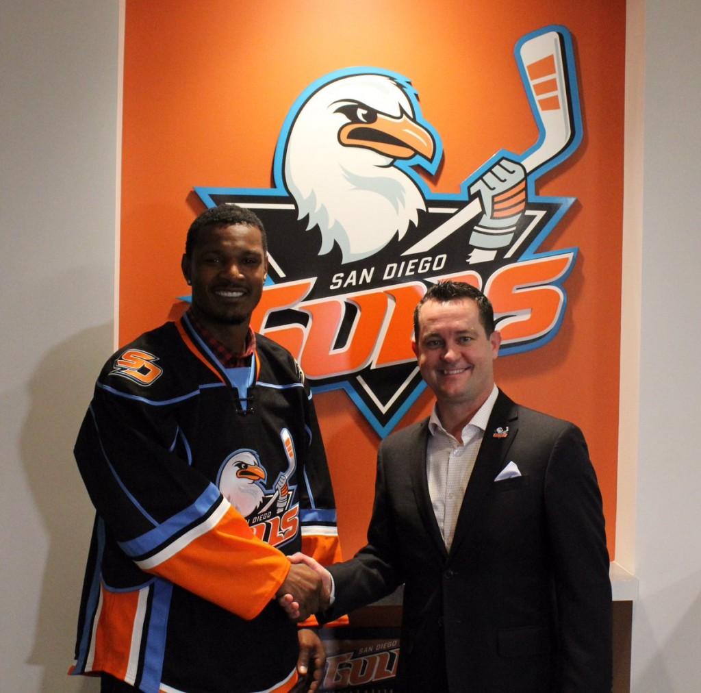 Adam Jones to work as minor-league hockey official