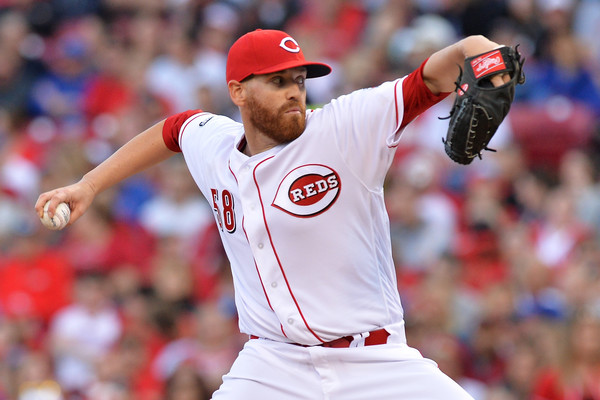 Marlins acquire Dan Straily from Reds for three prospects