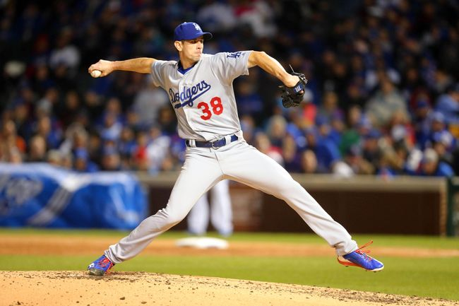 McCarthy dominates, Toles homers as Dodgers beat Cubs 2-0
