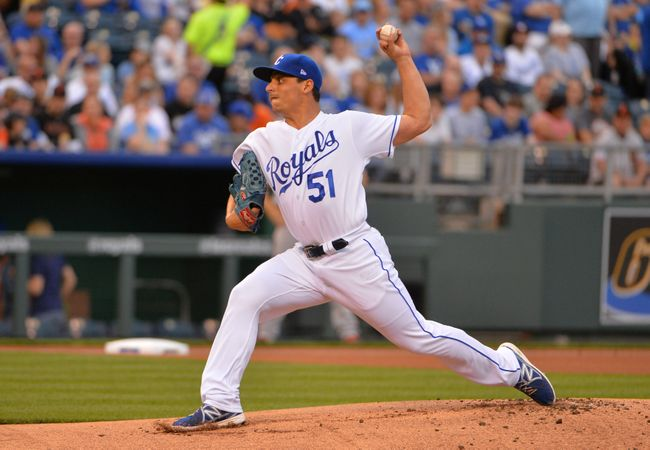 Vargas pitches Royals to 2-0 win over Bumgarner, Giants