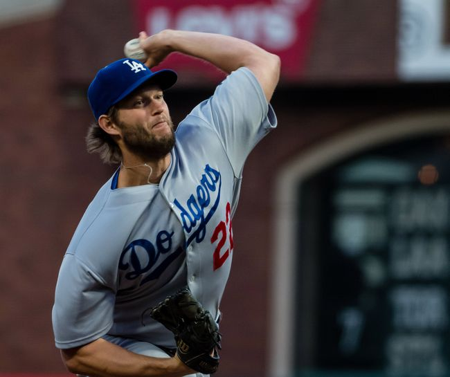 Clayton Kershaw strikes out seven, Dodgers beat Giants 2-1