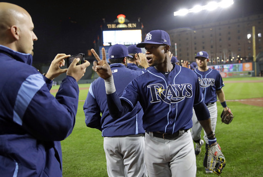 Rays scratch starter, use 5 relievers to 2-hit Orioles