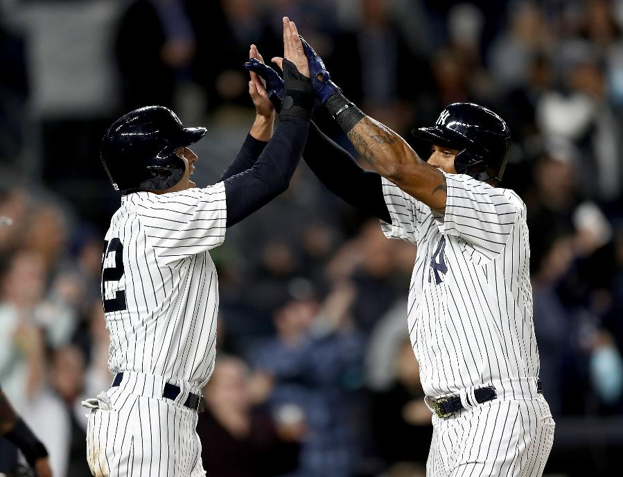 Hicks homers twice, Yankees beat Rays 3-2 to move over .500