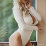 Lindsey Pelas203