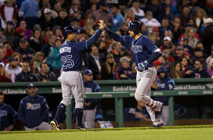 Longoria hits long homer; Rays hold off Red Sox 5-4