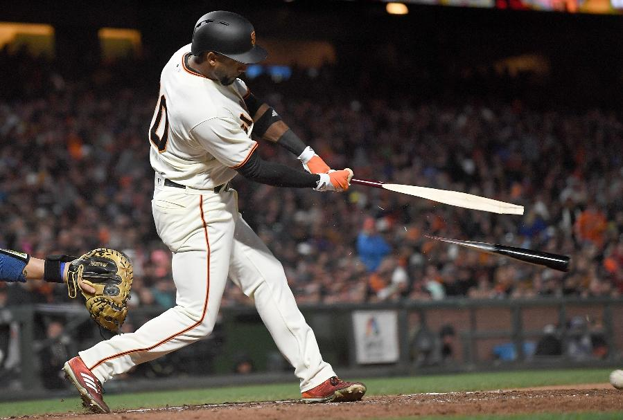 Nunez's 2-run infield single keys Giants' 4th straight win