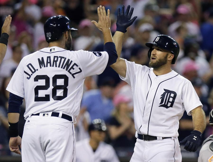 Collins snaps skid with 2 HRs, Tigers beat Orioles 5-4