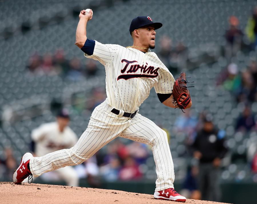 Berrios dazzles as Twins salvage doubleheader split