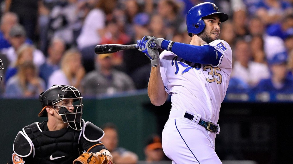 Hosmer hits go-ahead double in 8th, Royals beat Orioles 3-2