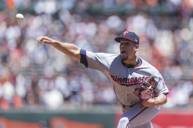 Dozier, Vargas HRs lead Berrios, Twins over Giants 3-2