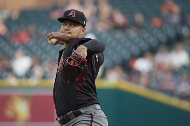 Walker returns from DL to lead D-backs over Tigers 2-1