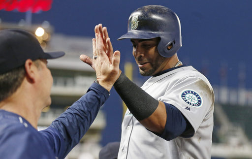 Cruz drives in 4; Mariners cruise past Twins 14-3